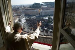 Roma conmocionada por la renuncia de Benedicto XVI (Video)