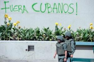 El Chiste del día: Cuba dice que no tiene efectivos militares y de seguridad en Venezuela