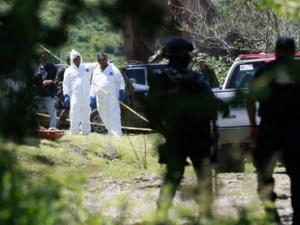 Hallan 11 cuerpos en fosas clandestinas en México