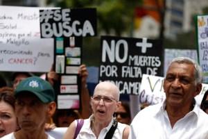 La crisis tumba al venezolano por falta de medicinas