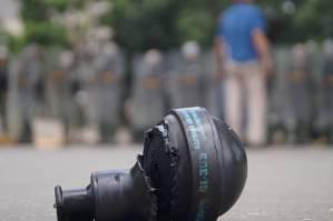 ¿Humillación? Dgcim pone a tragar GAS del bueno a los cadetes de la GNB (VIDEO)