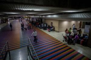 Funcionarios de Maduro le niegan ingreso al país a eurodiputados que llegaron a Maiquetía