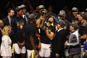 Importante jugador de Golden State, anunció su retiro de la NBA de forma sorpresiva