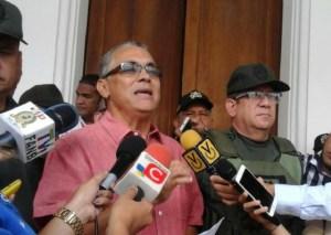 ¿Y las iguanas? Según la gobernación del Zulia apagones son provocados por papagayos (VIDEO)