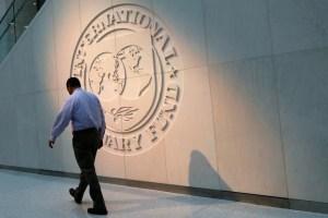 FMI debe tomar una decisión sobre Argentina, pero está entre la espada y la pared