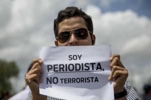 Sntp denuncia que PoliAnzoátegui detuvo a periodista de Fe y Alegría