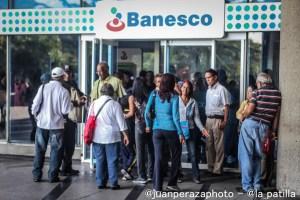 Los créditos en Venezuela se redujeron 92,38 % en un año