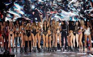 Lencería, ángeles y curvas: La glamorosa historia del desfile de Victoria's Secret y su abrupto FINAL