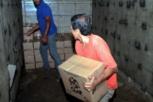 Revelador VIDEO: Los propios chavistas saquean las cajas Clap a plena luz del día
