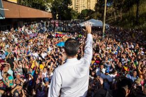 """""""¡Un gobierno de transición!"""": El pedido de los venezolanos que llenan las calles en cabildos abiertos (fotos)"""
