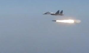 EN VIDEO: Al mejor estilo de Hollywood, caza venezolano lanza misil y hunde enemigo imaginario