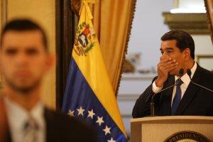 Maduro paga por enviar consignas por Twitter