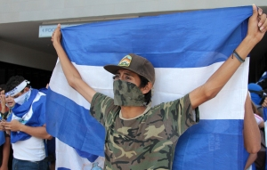 Oposición de Nicaragua paraliza diálogo con Daniel Ortega tras intensa represión
