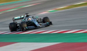 Mercedes buscará poner fin al optimismo de Ferrari en inicio de temporada de F1 en Melbourne