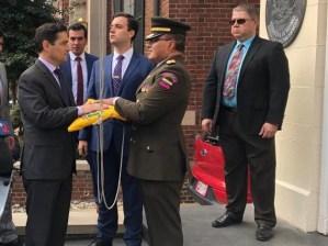 EN VIDEOS: Momento en el que Venezuela recupera la Agregaduría Militar de Venezuela en EEUU