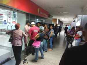 Semana chucuta: Banca arranca con horario normal pero el martes es feriado
