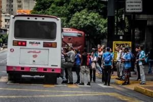 Venezolanos gastan más del salario mínimo solo en transporte urbano