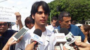 Denuncian que el Cicpc allanó la casa del médico Ronnie Villasmil en Carabobo