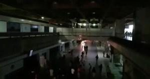 EN VIDEO: Maiquetía a media máquina; vuelos internacionales con más de 12 horas de retraso #11Mar