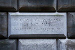 Reserva Federal de Nueva York restringe a bancos de Puerto Rico tras expansión de sanciones a Venezuela