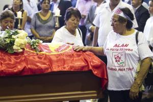 EN FOTOS: Miles de seguidores, políticos y autoridades despiden a Alan García en Lima