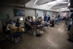 La muerte a cuentagotas de los enfermos renales de Venezuela (Fotos)