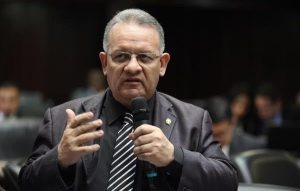Edwin Luzardo: Los venezolanos no olfatean nada bueno de los diálogos
