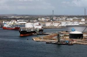 India anuncia que ha detenido por completo la compra de crudo a Pdvsa