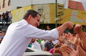 "Guaidó repartió ""puñitos"" en Barquisimeto (Fotos)"