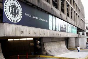 BCV acordó reducir el encaje bancario a 93%
