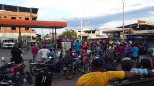Caos total en E/S de Mérida por limitación en el llenado de combustible (FOTOS)