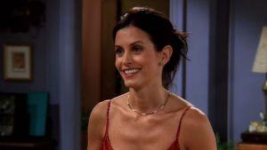 """Actriz de """"Friends"""" cumple 55 años y ahora está arrepentida de las cirugías que le cambiaron su rostro"""