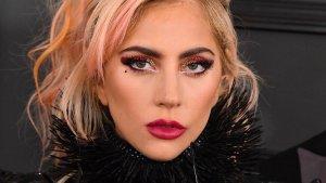 EN FOTO: Lady Gaga mostró sus nalgotas con un hilito de cristales