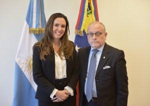 Argentina mantiene cerco diplomático y niega la entrada a 426 funcionarios chavistas