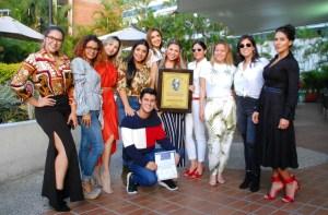 Life Coach Valiushka Torres recibió premio Mara de Oro