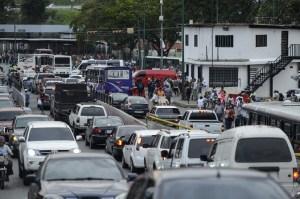 Caracas recobra servicio eléctrico, pero algunos estado siguen sin luz tras el mega apagón rojo