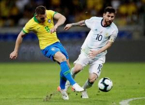 """La Brasil """"descafeinada"""" le ganó el pulso al Messi FC y jugará la final"""