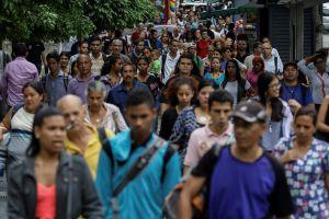 Mega apagón rojo cumple 15 horas en Venezuela con reconexión parcial del servicio eléctrico