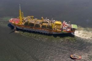 Se acerca el nacimiento de Guyana petrolera: El FPSO Liza Destiny zarpó de Singapur a Guyana