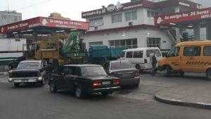 Régimen cubano atribuye la falta de gasolina al aumento de vehículos en circulación