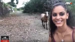Quería tomarse una selfie delante de una cabra y sucedió algo inesperado (Video)