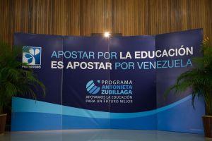 """Farmatodo beneficia, a través de su programa de acción social """"Antonieta Zubillaga"""", la educación de 1.127 alumnos y 825 familias venezolanas"""