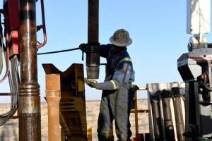 El petróleo cae castigado por medidas contra el coronavirus en China