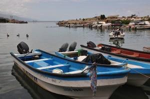 Pescadores de La Guaira deben comprar insumos en dólares