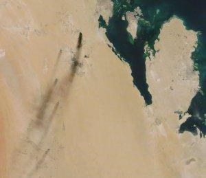 Ataque con drones alcanza planta de procesado de petróleo y campo petrolífero de Saudi Aramco