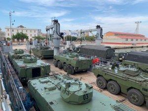 Régimen de Maduro trasladó unidades de guerra al estado Zulia (FOTOS)