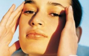 ¿Por qué en septiembre vuelve el acné?