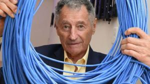 El hombre que interconectó dos computadoras hace 50 años ahora lamenta el lado oscuro de la red