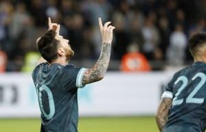 Messi y Suárez marcaron en el empate del Clásico del Río de la Plata