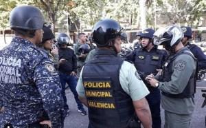 Un contralmirante y dos poliCarabobos se cayeron a tiros resultando heridos